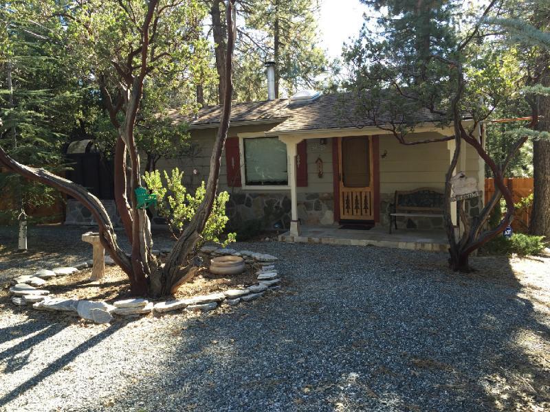 Front of Home - Manzanita Retreat - Idyllwild - rentals