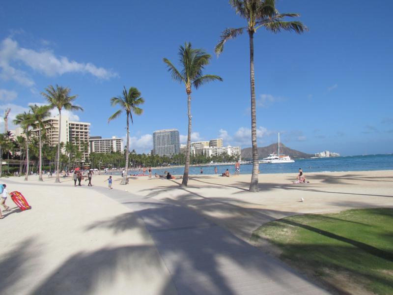 HelloRelaxation HAWAII, walk to the beach - Image 1 - Honolulu - rentals