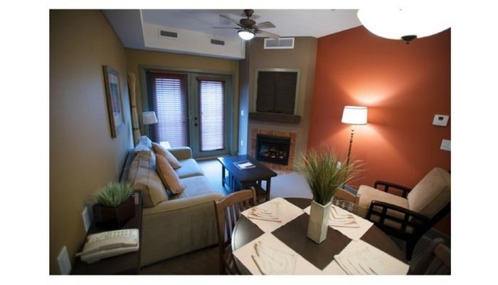 Hang out with friends and family in this cozy, modern living area. - Osoyoos Spirit Ridge Resort 2 bedroom condo (lower level) - Osoyoos - rentals