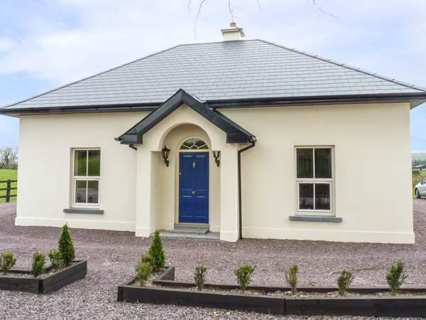 THE LODGE, detached, countryside location, WiFi, ground floor bedroom near Carrigadrohid, Macroom Ref 933597 - Image 1 - Macroom - rentals