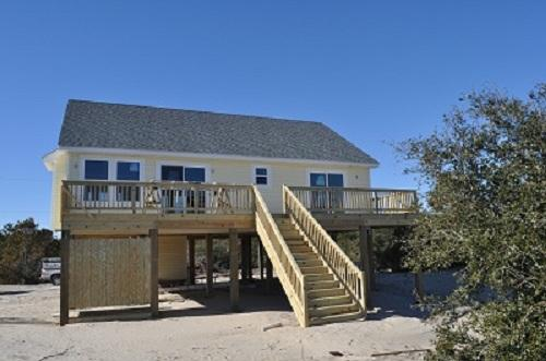 3 Bdrm Cottage on the Canal w/Kayaks and Hot tub - Image 1 - Carova Beach - rentals