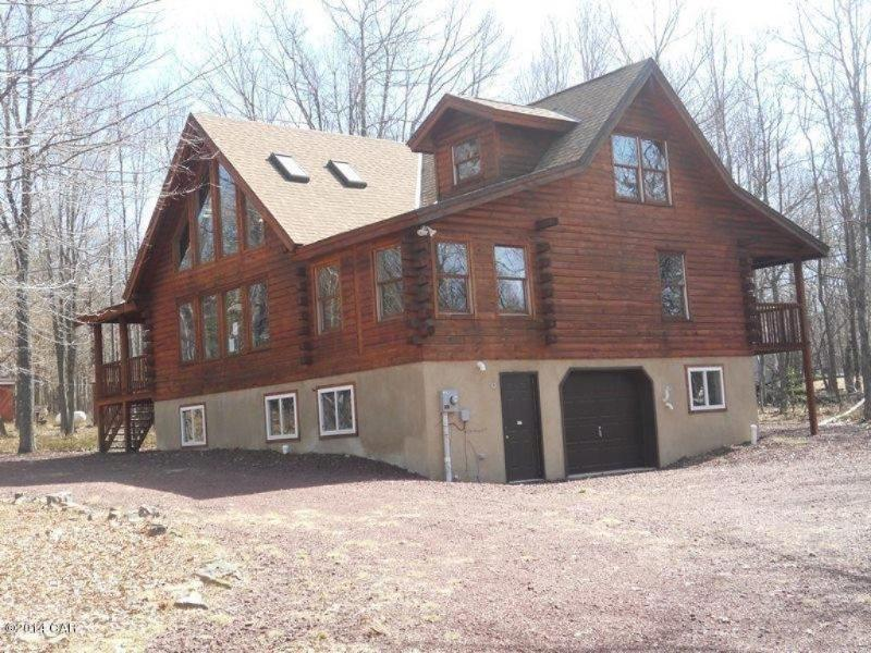 Thornberry Lodge located in the Lake Harmony Area - Stunning Thornberry Lodge - BRAND NEW!! - Lake Harmony - rentals