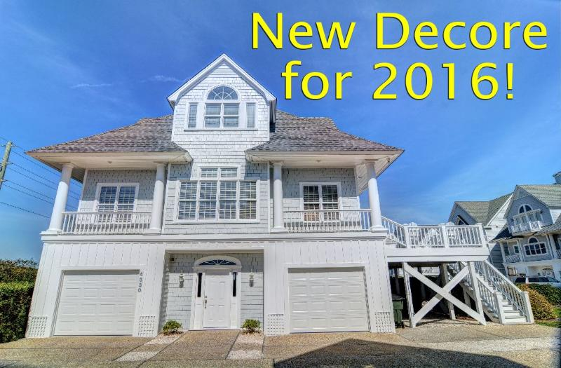 Much new decorations for 2016 - Island Drive 4330 Oceanfront-B Lot! | Internet, Community Pool, Jacuzzi - North Topsail Beach - rentals