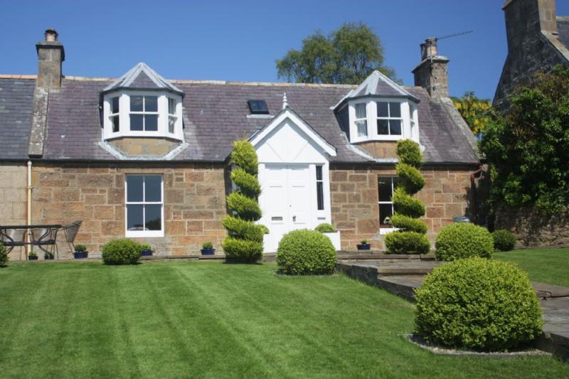 Dun Brae Cottage - Image 1 - Dornoch - rentals