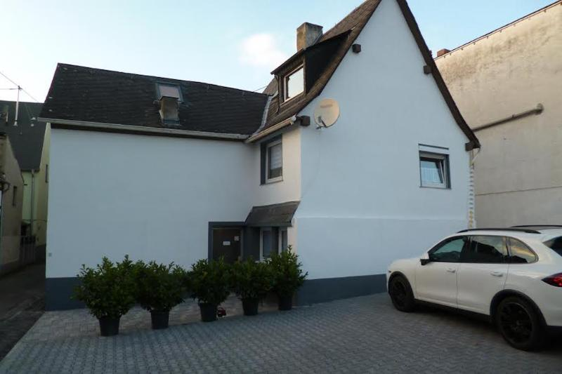 Vacation Apartment in Koblenz - 17954 sqft, spacious, parking and satellite TV available (# 1481) #1481 - Vacation Apartment in Koblenz - 17954 sqft, spacious, parking and satellite TV - Koblenz - rentals