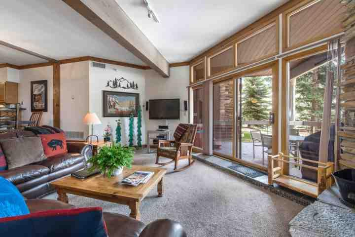 Our Deer Valley condo also features a secured parking garage, 3 HDTVs, king size beds in each bedroom, en suite bathroom for each bedroom and more! - Deer Valley Powder Run at Snow Park - Park City - rentals