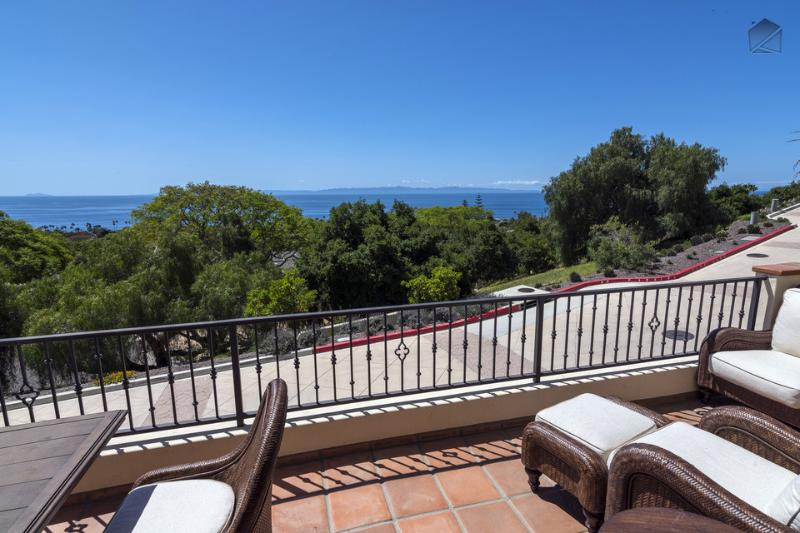 Enjoy wonderful ocean views from your private balcony. - Perfect for a winter getaway! Gorgeous brand new 2BR home in the Mesa, breathtaking ocean views - Seaside Heights - Santa Barbara - rentals
