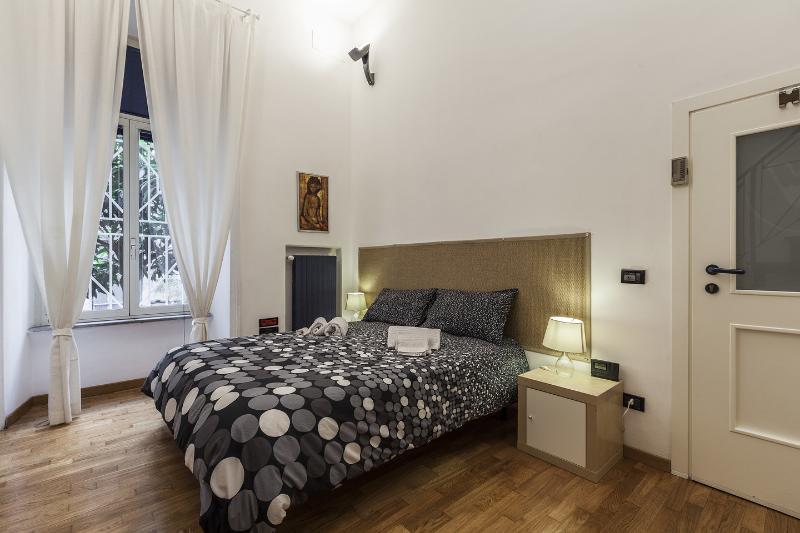 The Second Loft Bedroom - Vatican Vacation Home 'Dovigi' - Rome - rentals