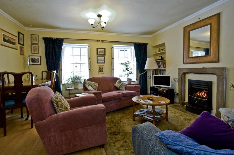 Living Room - Candlemaker Row - Edinburgh - rentals