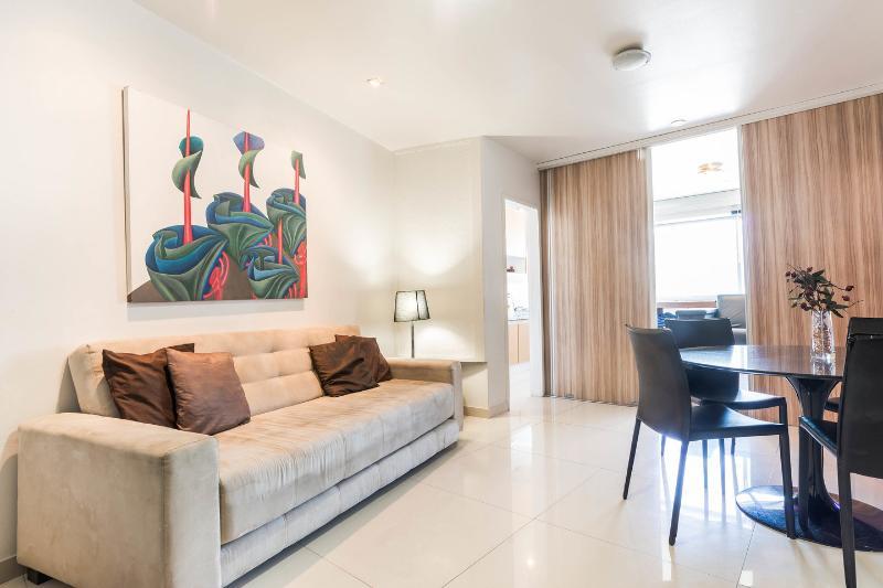 Living Room - 2 room 2 bath in Leblon beach wifi air cond pool - Rio de Janeiro - rentals