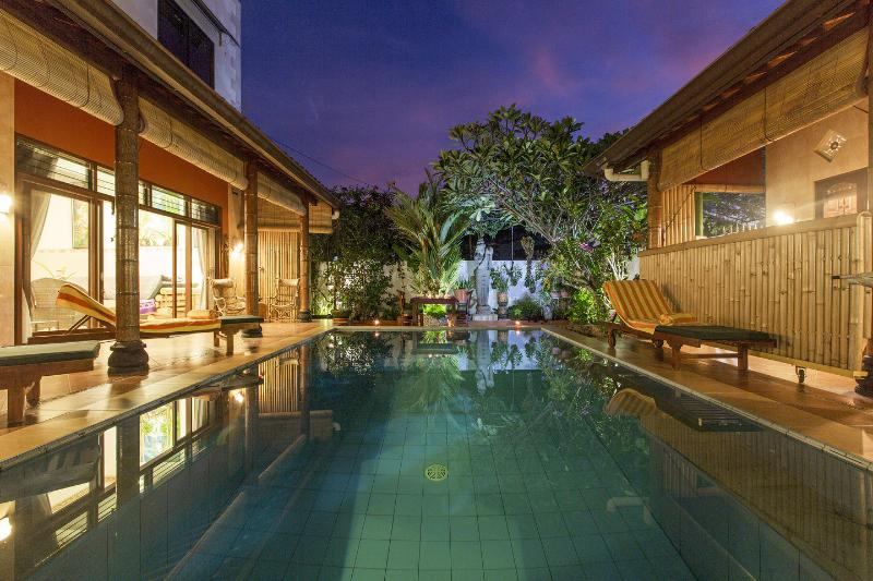 The 2br Main House with the romantic private pool and surroundings. Enlightened after dark.  - Tropical Oasis - Private Pool-Amazing Views-2br - Jimbaran - rentals