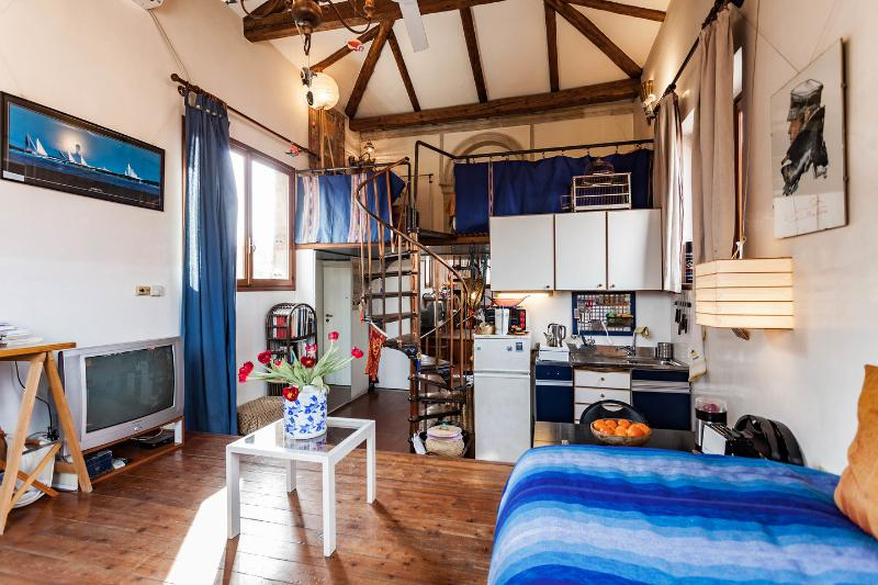 Living Room - Romantic sunny studio with garden - Venice - rentals