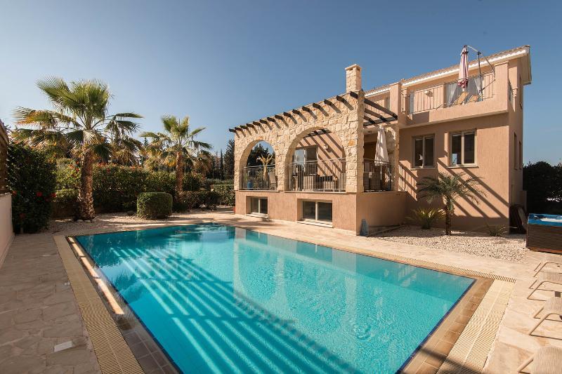 The Pool - Private Sandy Beach, Private pool, Jacuzzi, Wifi - Argaka - rentals