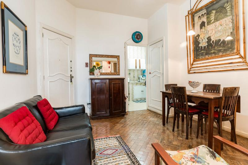 Living Room - Copacabana, charming artist apartment. A few steps to the most famous beach of the world! - Rio de Janeiro - rentals