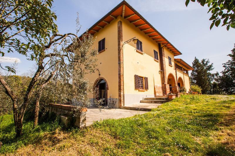 Grounds - Casa Vacanze Il Tramonto Sul Chianti: Apt. Bacco - Montespertoli - rentals