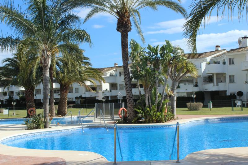 1854 - 2 bed apartment, Mijas Golf 2 , Fuengirola - Image 1 - Mijas - rentals