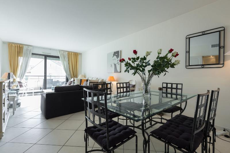 Living Room - Luxury 3 bedroom apartment @ 90 rue d'Antibes - Cannes - rentals