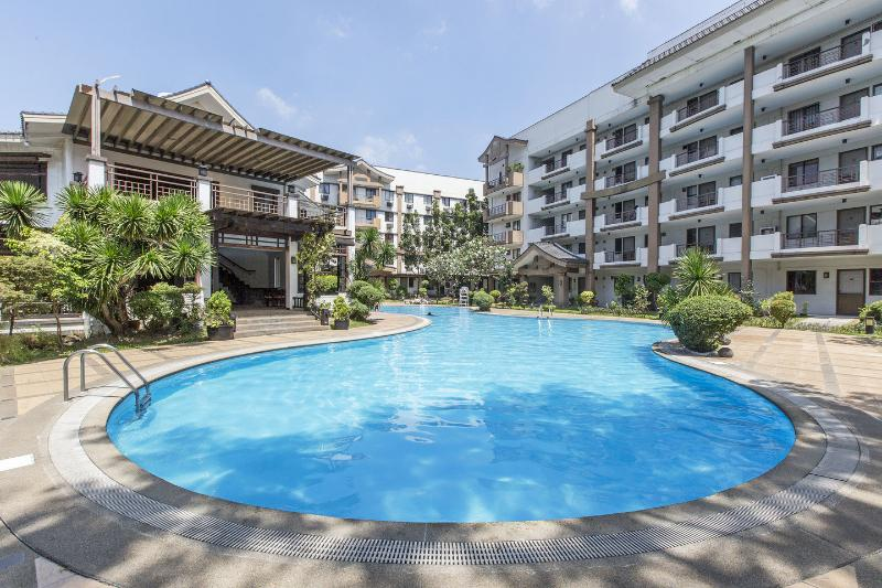 The Pool - Big Condo For  Rent In Mayfield Park Recidence - Manila - rentals
