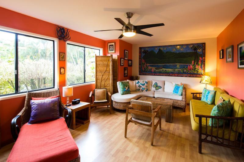 Living Room - Princeville Kauai Hawaii Quaint Affordable 3 Bdrm - Princeville - rentals