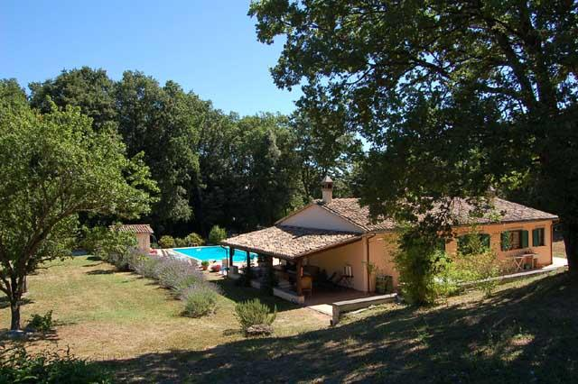 Detached villa with private pool 2km from village - Image 1 - Amelia - rentals