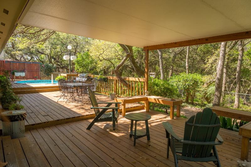 Amazing views , POOL, Hottub no cancellation fees - Image 1 - San Antonio - rentals