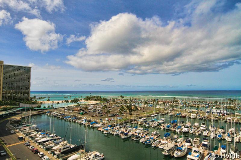 Waikiki OCEAN & SUNSET VIEWS! STEPS TO BEACH - Image 1 - Honolulu - rentals