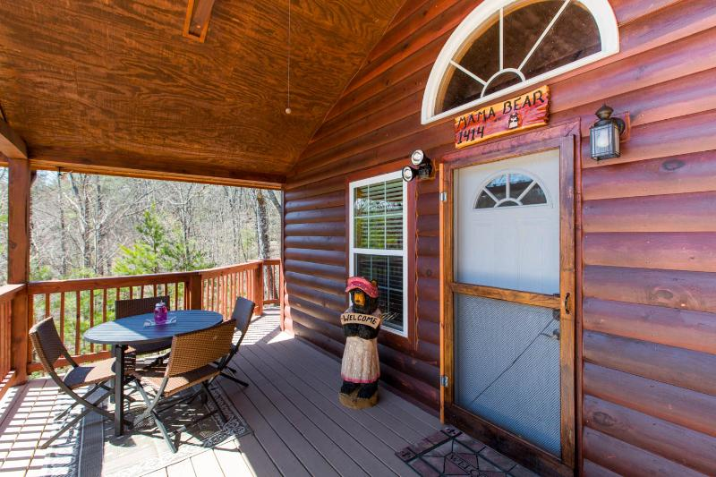 Mama Bear-Beautiful cabin minutes to Pigeon Forge - Image 1 - Sevierville - rentals