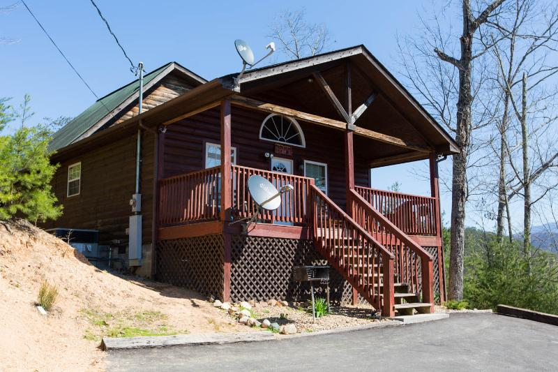 Papa Bear - Fabulous cabin near Pigeon Forge - Image 1 - Pigeon Forge - rentals