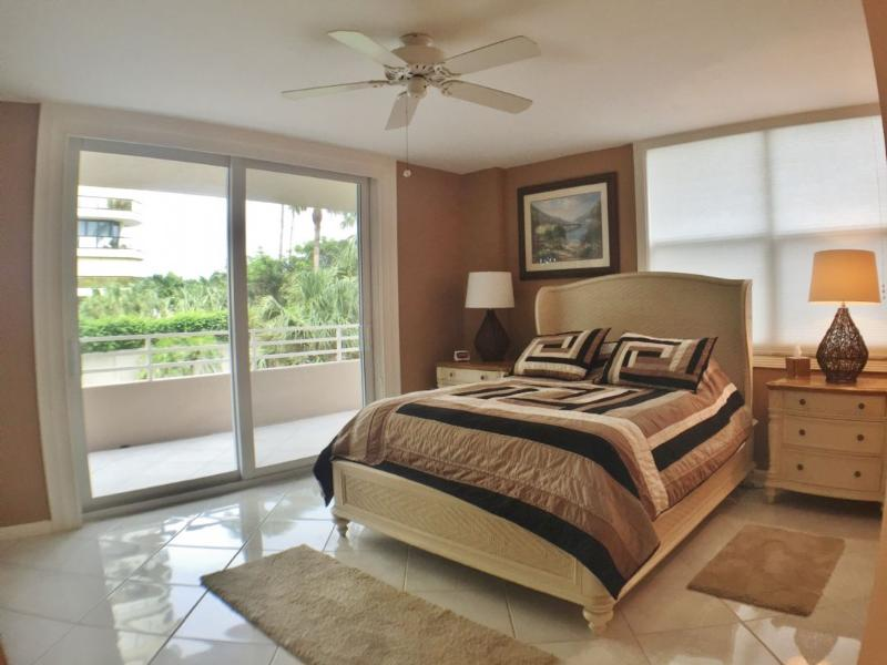 Master Bedroom - WOW....take a look at this Beachfront Beauty ! - Marco Island - rentals