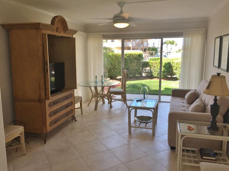 Living Room - Darling condo in Quaint Historic District of Marco Island...Fish from the docks - Marco Island - rentals