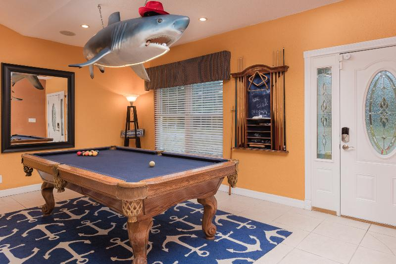 The Pool Shark is waiting for you. - Haven Del Mar (Water Front Home Extraordinaire) - Freeport - rentals
