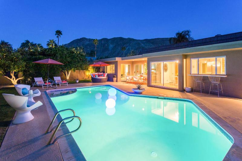 VILLA ESTRELLA Indian Canyon Palm Springs MODERN - Image 1 - Palm Springs - rentals