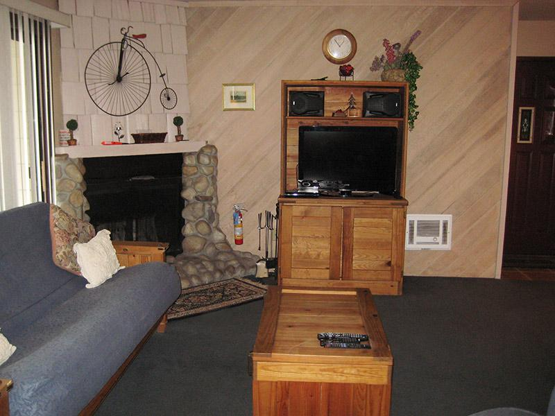 Living Room with Flat Screen TV - La Vista Blanc - LVB55 - Mammoth Lakes - rentals