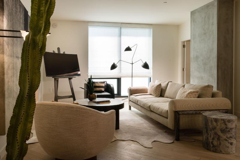 Spacious 1 Bedroom Apartment in Hollywood - Image 1 - Los Angeles - rentals