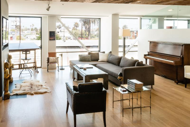 Über-Stylish 1 Bedroom Loft in Venice - Image 1 - Venice Beach - rentals