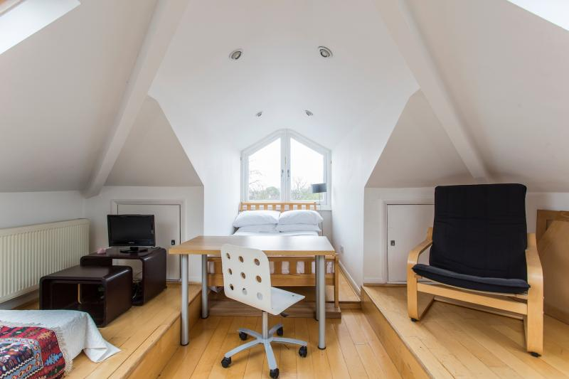 One Fine Stay - Fitzwilliam Road III apartment - Image 1 - London - rentals