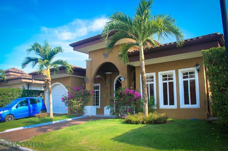 EcoVida Casa Mariposa -Costa del Sol, Playa Bejuco - Image 1 - Playa Bejuco - rentals