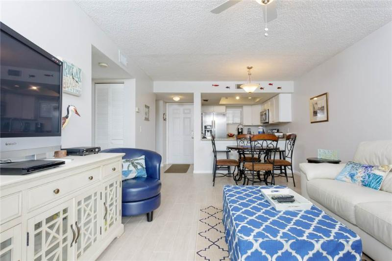 Ocean Village Club M25, 1 Bedroom, 2nd Floor, 2 Pools, WiFi, Sleeps 3 - Image 1 - Saint Augustine - rentals