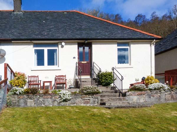 10 CROWN COTTAGES ground floor, en-suite, mountain views, pet-friendly in Banavie, Corpach, Ref 932824 - Image 1 - Corpach - rentals
