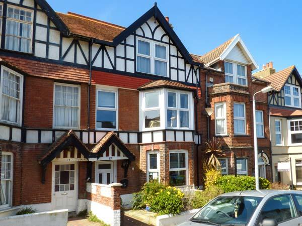 BON VISTA, sea views, en-suites, WiFi, off-road parking, Cromer, Ref 936290 - Image 1 - Cromer - rentals