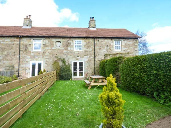 3 KENSTONE FARM COTTAGES, pet-friendly, multi-fuel stove, garden, Lowick, Ref - Image 1 - Lowick - rentals