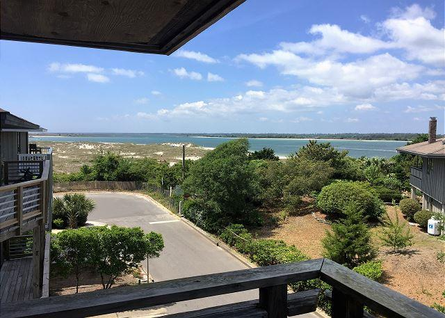 Seaside Seven is a spacious and bright house with sound and ocean views! - Image 1 - Wrightsville Beach - rentals