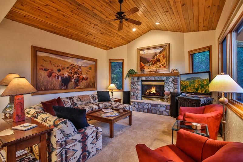 Yampa Vista: Views. Private Hot Tub. Discount Tix* - Image 1 - Steamboat Springs - rentals
