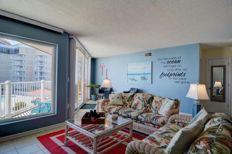 Living Area - St Regis 3106 - North Topsail Beach - rentals