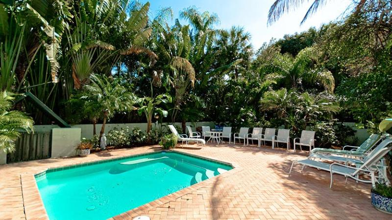 Shared Heated Pool - Villa Palma - Anna Maria - rentals