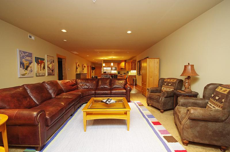 Open Living Room - Grand Lodge Home -Near Heated Pool,No Cleaning fee - Government Camp - rentals