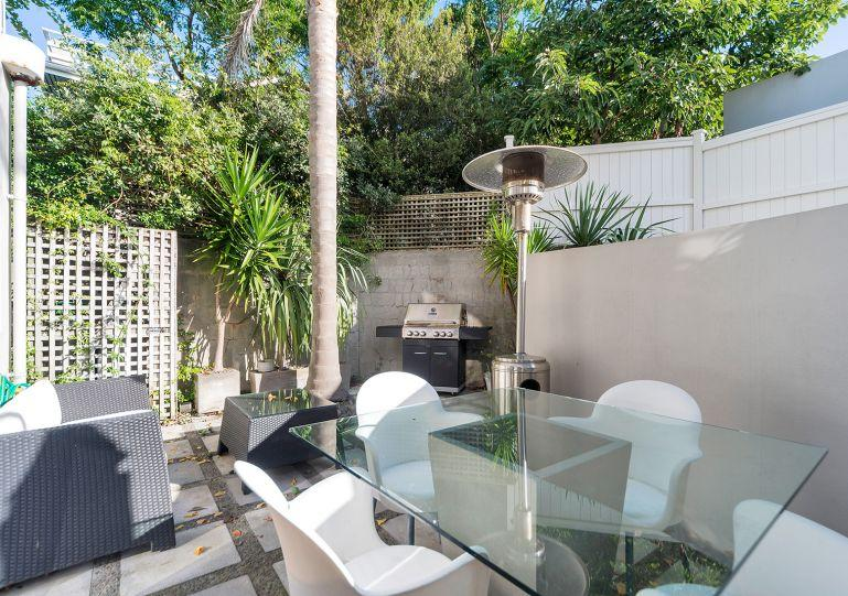 The courtyard off the kitchen gets all the afternoon sun - Sunny Modern Herne Bay Two Level Townhouse with Parking for Two Cars - Herne Bay - rentals