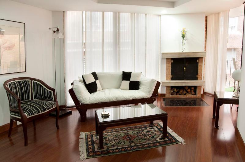 Tasteful 1 Bedroom Apartment in Parque 93 - Image 1 - Bogota - rentals