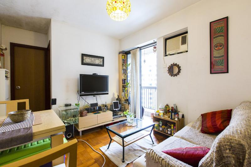 "Living Room - Apt in ""New"" Green Estate - 30 Mins from Central - Hong Kong - rentals"