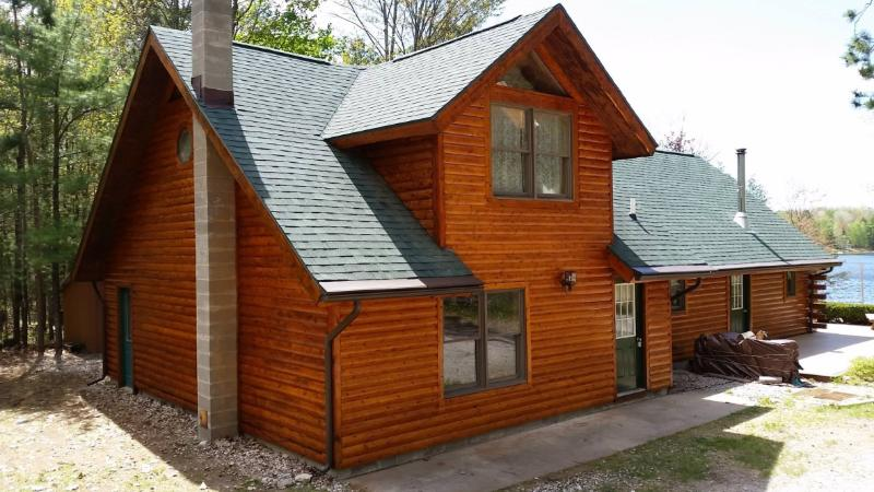 Welcome to Serenity at its Best! Log Cabin on PRIVATE Lake Devereaux! - Serenity At Its Best! Private Lakefront Cabin! - Cheboygan County - rentals